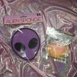 Accessories - 4/$25 Bath Bundle 🛁 Alien Sponge &Heart Bath Bomb